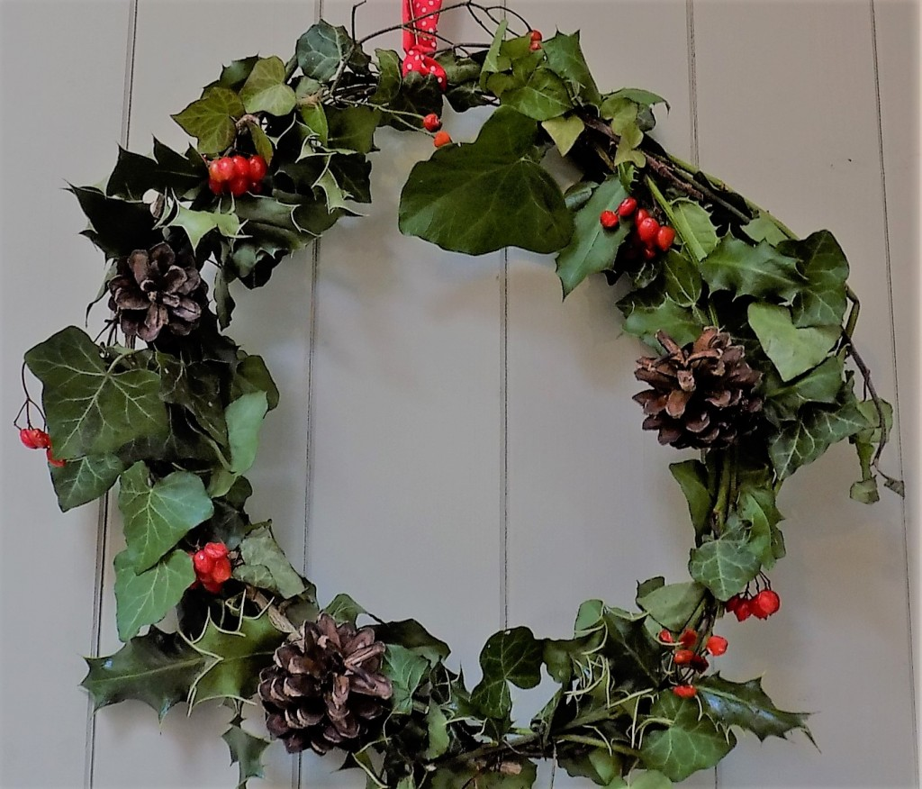 Budget Christmas wreath